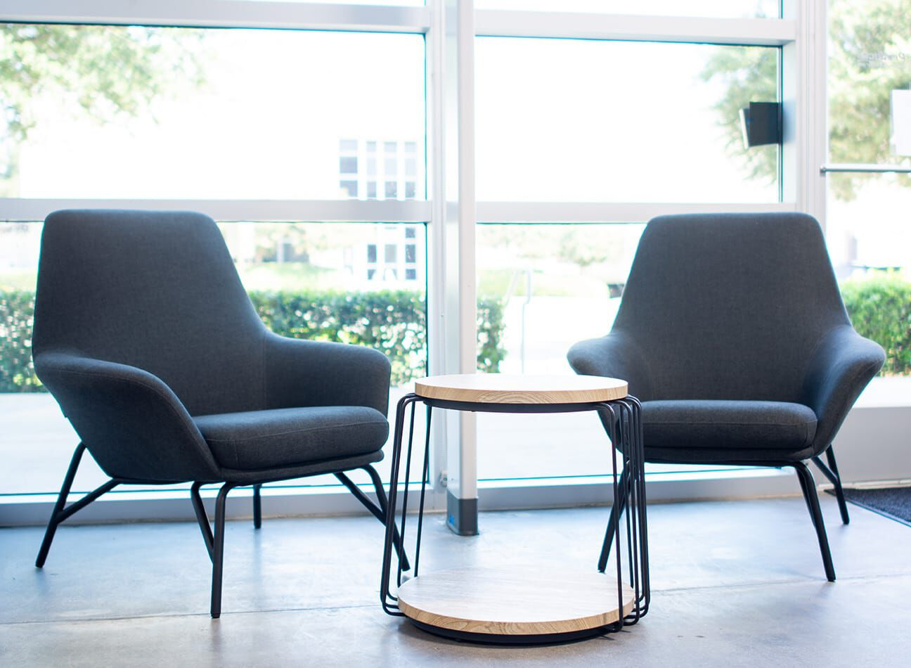 vari collaborative meeting furniture in the duraserv office  image