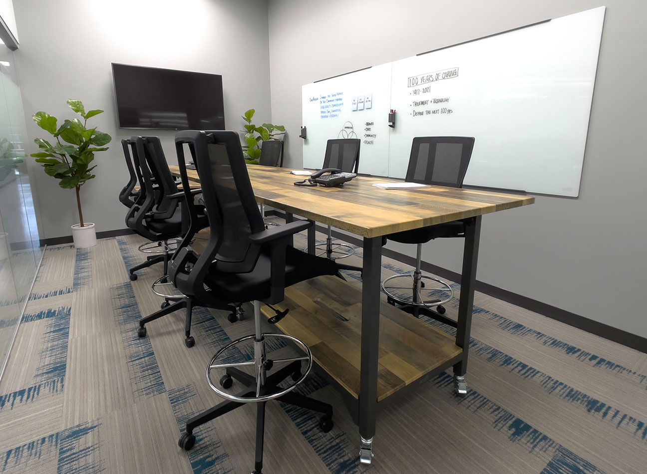vari collaborative meeting furniture in the UHS office  image